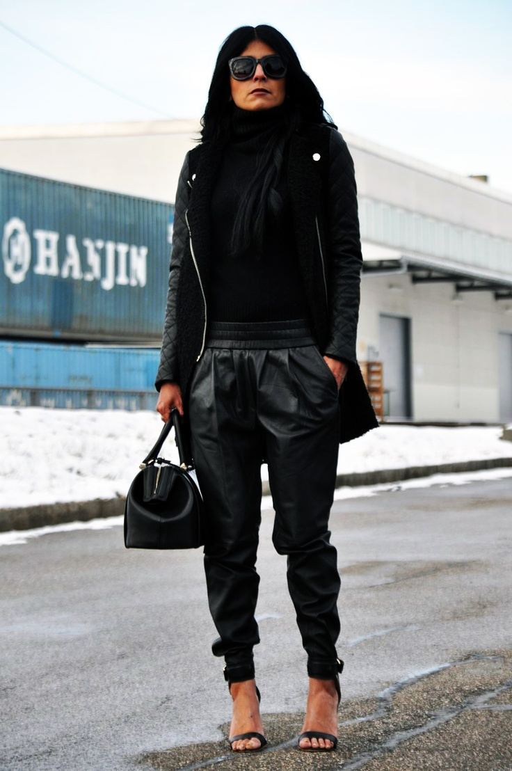 Fashion Landscape: Outfit | Black leather | Pantalón baggy ...