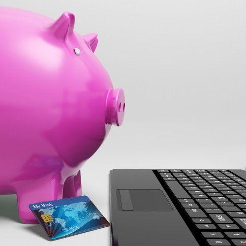 Ettersom et kredittkort er et lån så vil de løpe renter på utestående saldo etter den rentefrie perioden er over. Hvis du vet at du klarer å nedbetale den utestående saloden din hver måned så har det ikke noe og si om renten på kredittkortet er høyt eller lavt. På den andre siden, hvis du ikke klarer å nedbetale saldoen hver måned burde du lete etter et kredittkort med lav rente som passer din livsstil. Hvordan finner du det? Slik finner du et kredittkort med lav rente.