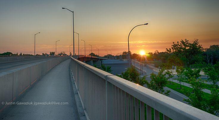 https://flic.kr/p/uanhnC | Disraeli Bridge Sunrise | HDR composite (3 exposure, +/1 ev)