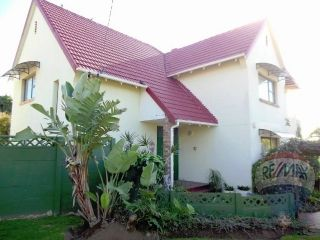 3 bedroom House For Sale in Stirling, East London | 302159599 | RE/MAX #ForSale #DoubleStorey #GrannyFlat #FamilyHome