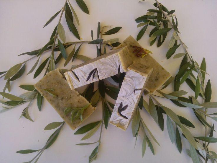 Χειροποίητα σαπούνια-Κεραλοιφές                                            Λαοδάμεια: σαπούνι κρίταμα- σπιρουλίνα