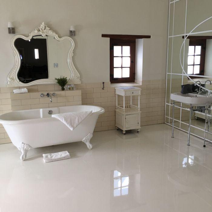 Salle de bain à Babylonstoren Ferme Hotel  en Afrique du Sud dans la région des vignes, à 1H de Cape Town