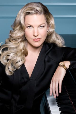 Diana Krall just a great pic