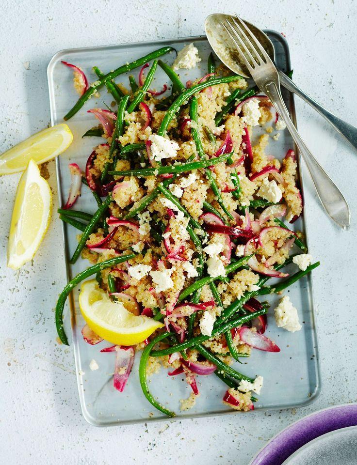 Tässä salaatissa on kvinoan lisäksi papuja, joten se on mukavan ruokaisa vegeherkku.