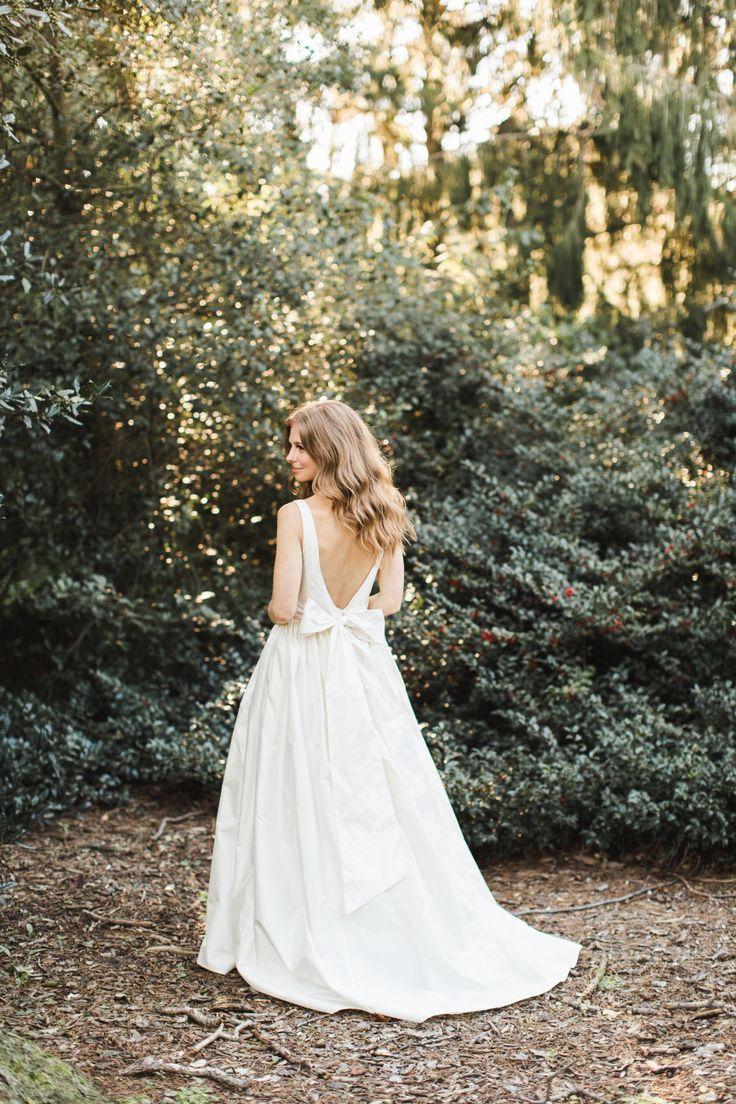 a-line bow wedding dress