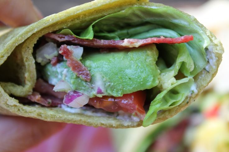 Homemade Spinach Whole Wheat Tortillas http://momonamission.me/homemade-spinach-tortillas/