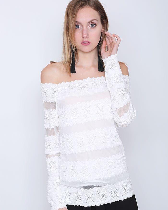 Lace DetailExplore the New Collection at  www.capriccioshop.gr  #woman #women #white #blouses #blouse #elegant #editorial #fashion #girls #girl #style #styleblogger #fashionista #style #aboutalook #lady #lace #mood #instafashion #instaphoto #sales #shop #fashionaddict #follow #followmenow #instapic #moodoftheday