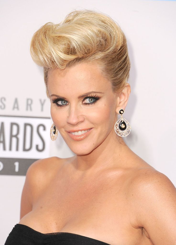 Jenny McCarthy #makeup #style at the 2012 American Music Awards