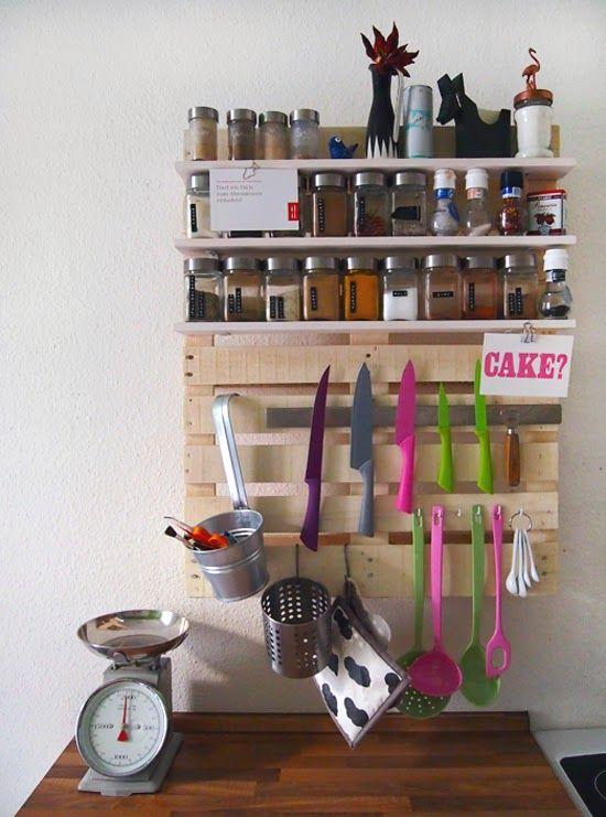 Estante para especias y utensilios de cocina con pallet
