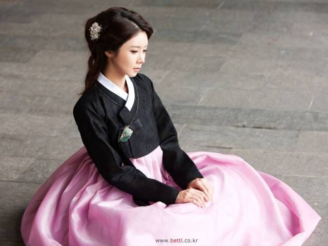 한복 Hanbok : Korean traditional clothes[dress] #ModernHanbok #Wedding #Dress #한복 #Hanbok