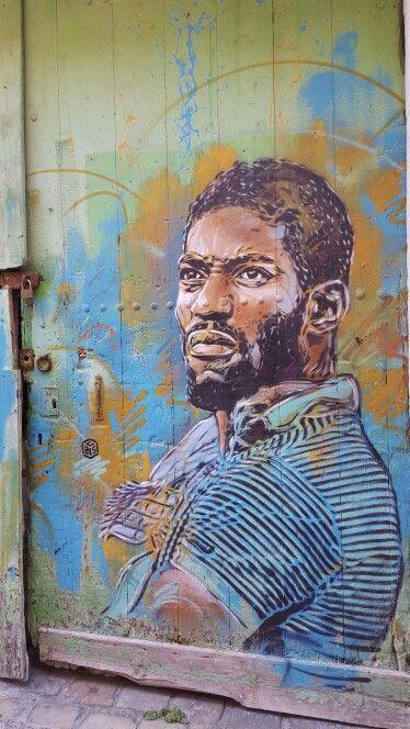 C215 rue de Sète France.  URBAN art