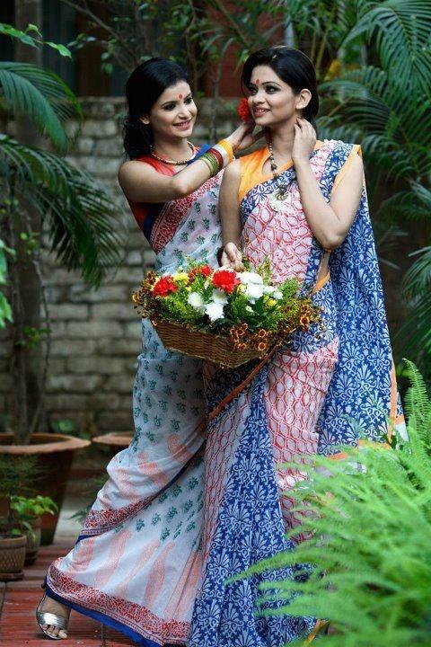 For the bridesmaids @ gaye holud ? Mumu Maria   #Bangladesh #sari #weddingsari