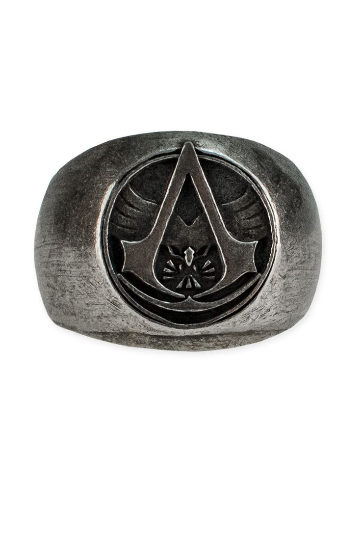 Proudly claim your allegiance to the Assassins with the Assassin's Creed - Master Assassin Ring and display your commitment to whose fighting for freedom and equality to the world. Join the elite thanks to this unique and important piece of jewelry; honor the master Assassins' memory.