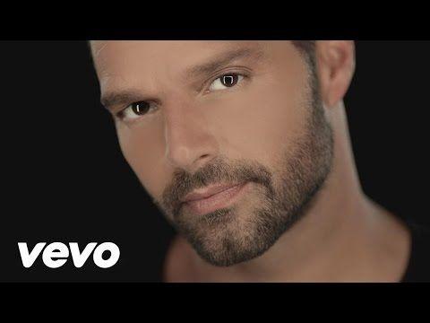 """La Mordidita"" FT. Yotuel (Official Video) Listen to ""A Quien Quiera Escuchar"" now on iTunes: http://smarturl.it/RickyAQQE Google Play: http://smarturl.it/Ri..."