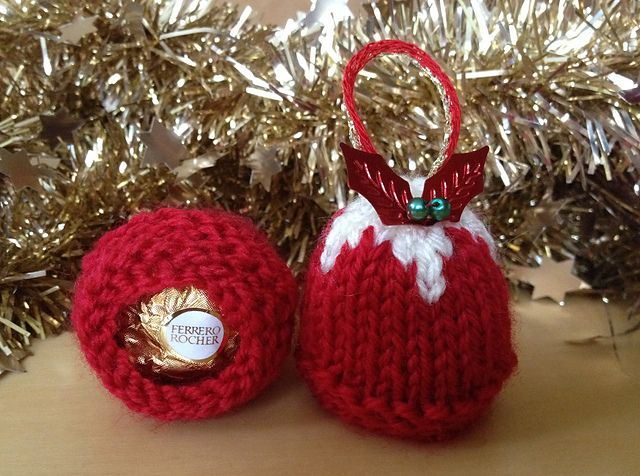 Simple Knitting Patterns Christmas Decorations : Best 25+ Christmas knitting ideas on Pinterest Knitted christmas decoration...