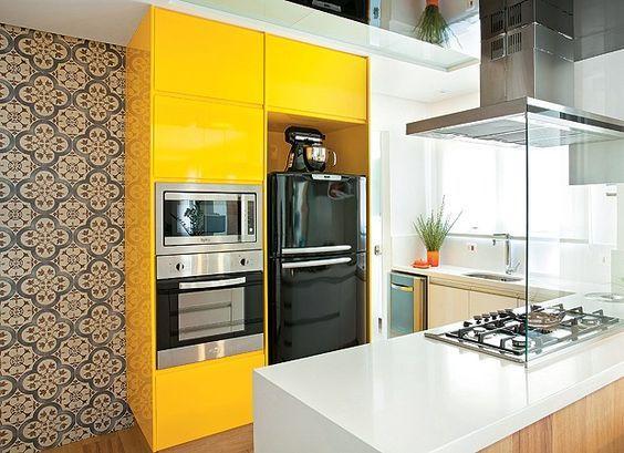 armario-amarelo-na-cozinha