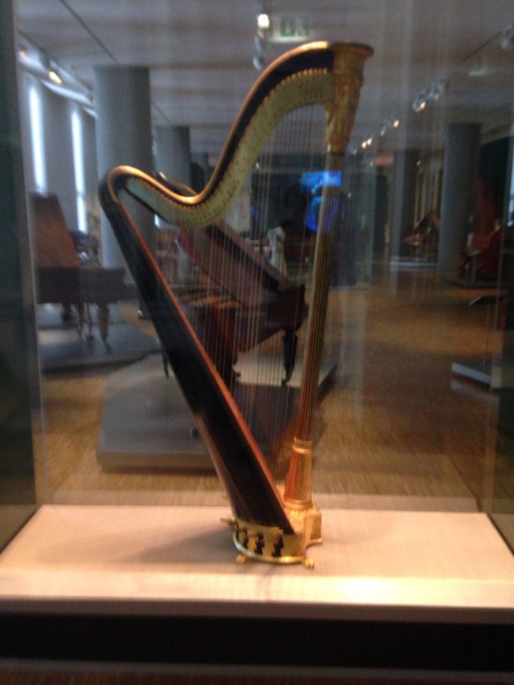 Harfe im Museum für Kunst und Gewerbe Hamburg