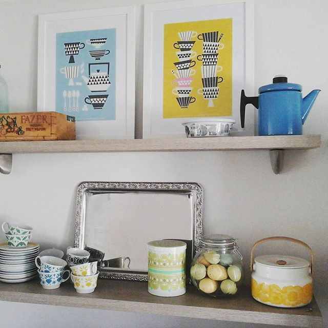 Finnish kitchen.. Arabia vintage coffee cups, Finel small Pehtoori and new Marimekko box