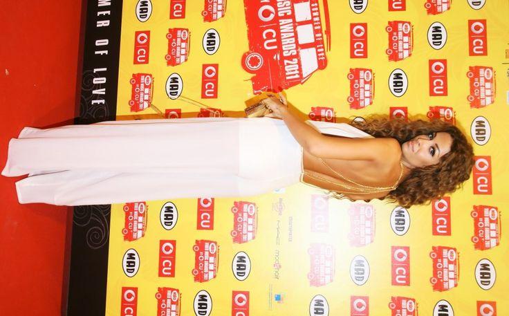 Ελένη Φουρέιρα Super sexy με λευκή διαφανή φόρμα η Ελένη Φουρέιρα, και η θερμοκρασία έπιασε κόκκινο στο κόκκινο χαλί των VMA το 2011.
