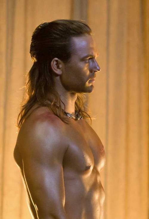 Dustin Clare - Gannicus. U dont need a description for that body, it speaks for itself.
