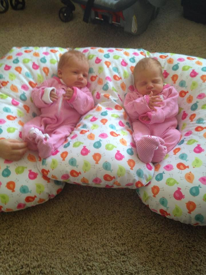 The 25+ best Twin breastfeeding pillow ideas on Pinterest ...