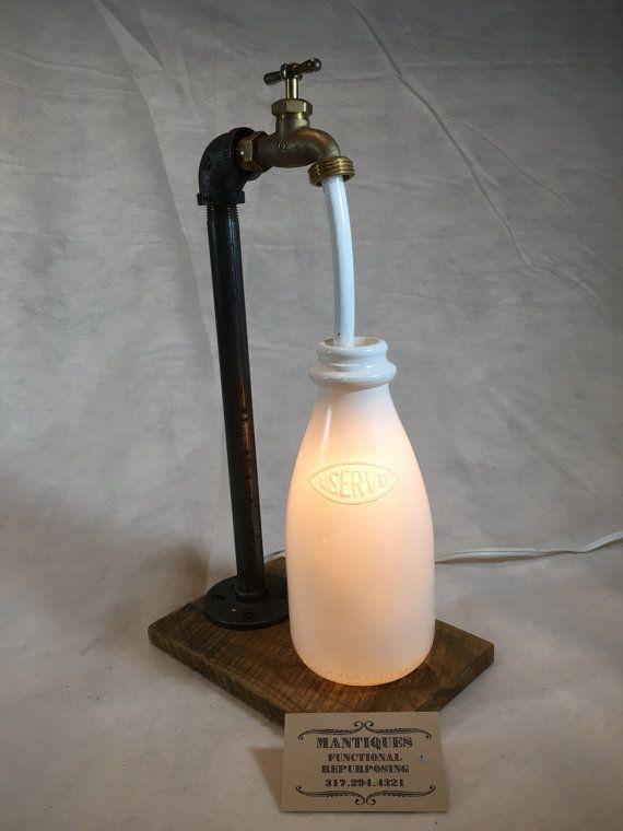 Lámpara de botella de leche por MANtiquesStore en Etsy