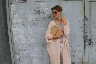 Bajaga, jak nosić swetry, jesienne must have, Novamoda streetstyle, novamoda style, novamoda stylizacje, skórzana torba, street style jesień, swetry, trendy,