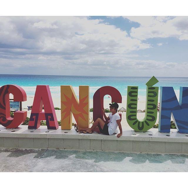 カリブ海の超有名ビーチ・リゾートとして知られるカンクン。海の青さから白い砂浜、豪華なホテル、ショッピング、グルメ、レジャー、治安の良さなど、リゾートとしての全ての要素をトップ・レベルで満たしています。日本からはアメリカのダラス、ヒューストンまたはメキシコ・シティを経由して行きますので、時間がかかるのがちょっと難点ですが、その苦労の何倍もの楽しみがカンクンには待っています。それでは行ってみましょう。カンクンのおすすめ観光スポット15選!