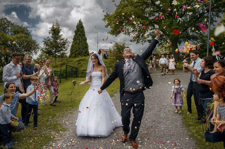 Hochzeit in Altensteig | Wundervolle Freikirchliche Trauung und Brautpaarshooting in Schloss Altensteig