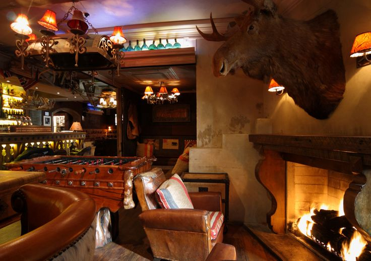 "COWBOYS BAR, Queenstown, South-Island, New Zealand, ""The Lounge Fire"", creative interior styling by Ton van der Veer"