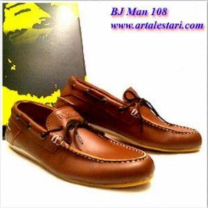 Toko Sepatu Casual PriaToko Sepatu Pria Casual  Toko Sepatu online kami menjual berbagai sepatu casual pria. Model sepatu pria casual cocok digunakan untuk jalan dan bersantai bersama kerabat dan teman Anda. Sepatu casual pria dengan kwalitas dan harga yang terjangkau.