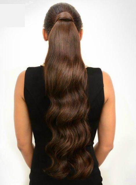 coiffure longue en queue de cheval