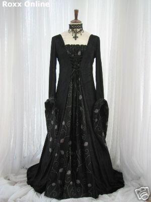 ...dress.: Wedding Dressses, Gothic Clothing, Bride Maids Dresses, Gothic Black, Gothic Dresses, Black Gowns, Black Wedding Dresses, Medieval Dresses, Gothic Fashion