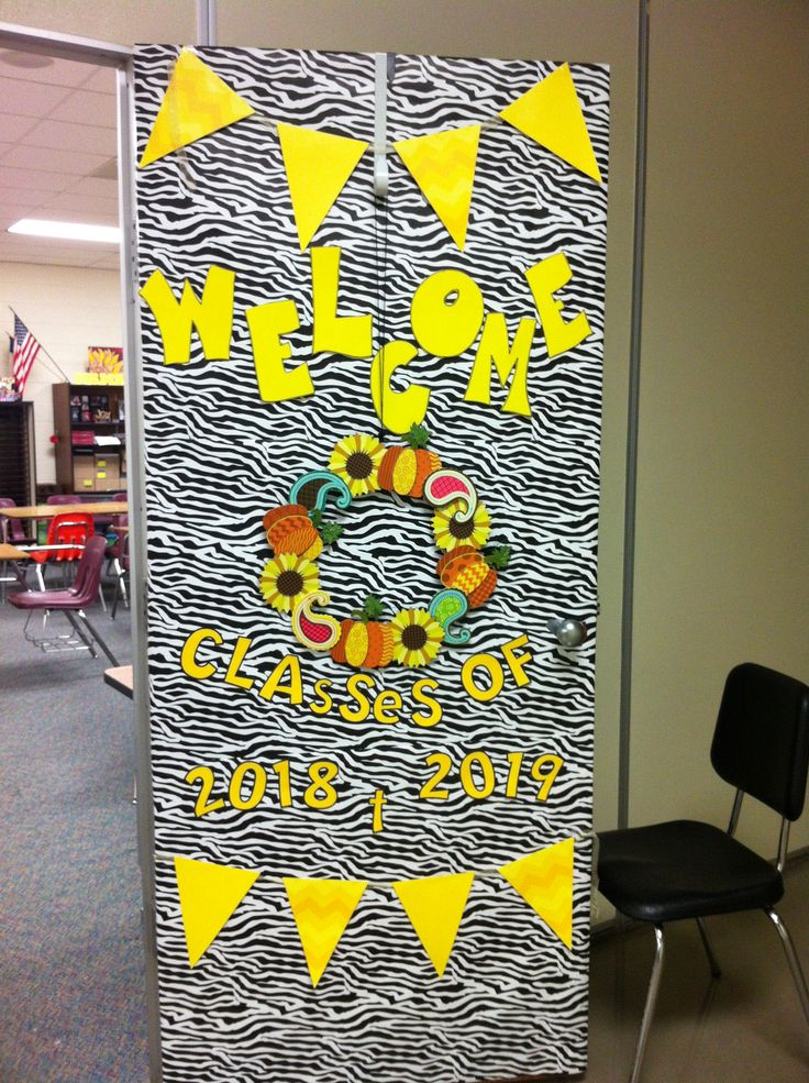 74 best images about back to school door decorations on for Back to school decoration ideas