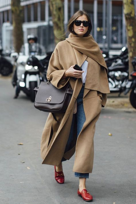 Paris Fashion Week S/S 2018 street style #ParisFashionWeek #StreetStyles | autumn fashion | autumn layering | red Gucci loafers