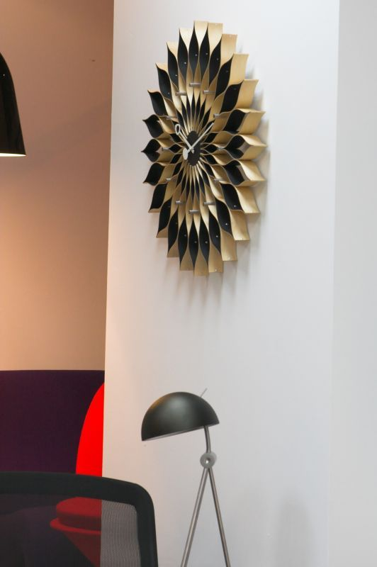 http://www.atakdesign.pl/pl/p/Sunflower-Clock/564
