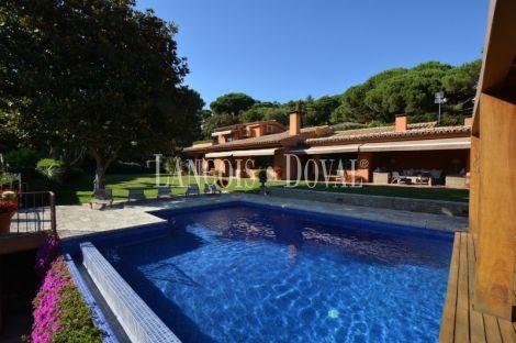 Supermaresme. Casa de lujo en venta. Piscina y vistas al mar. Sant Vicenç de Montalt
