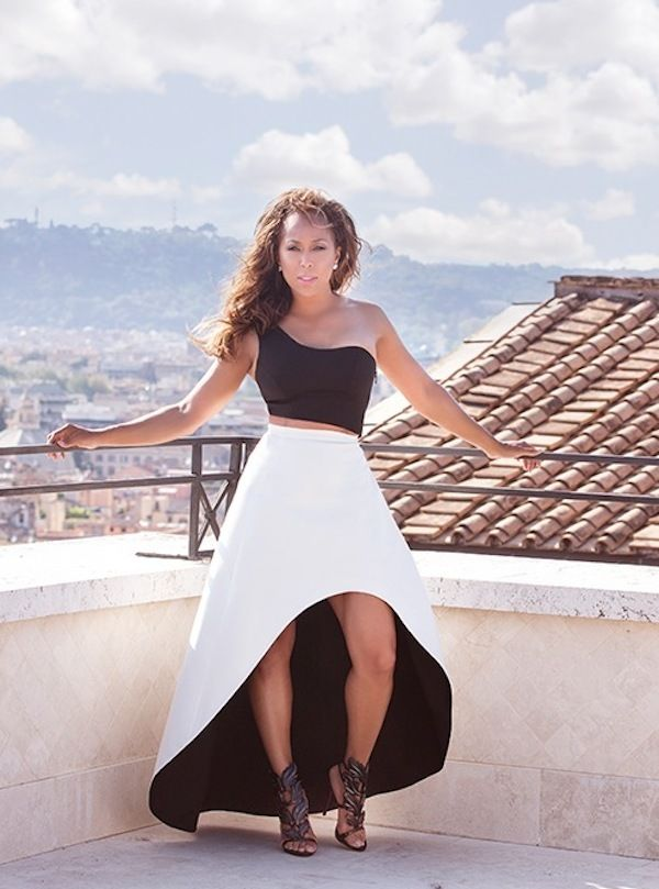 marjorie-harvey-alexis-shop-alexis-black-crop-top-bi-color-asymmetric-black-white-skirt-2