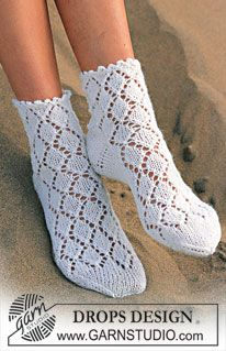 Made with the right yarn these socks would be great in the spring and fall!