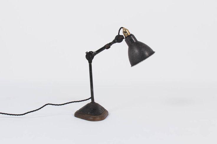 LAMPE DE BUREAU MODELE 207 BERNARD ALBIN GRAS EDITION RAVEL CLAMART 1921, disponible sur  https://www.galerie44.com/collection/nouveaut%C3%A9s-du-mois/lampe-de-bureau-modele-207-bernard-albin-gras-edition-ravel-clamart-1921-details