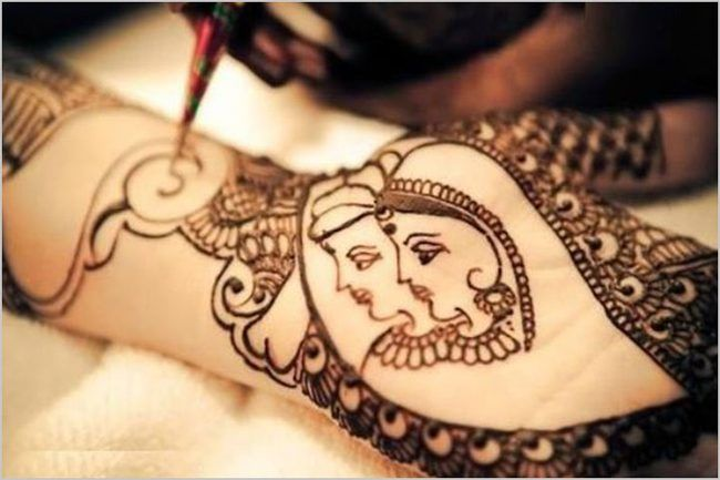 Traditional Karva Chauth Mehndi Design Pictures
