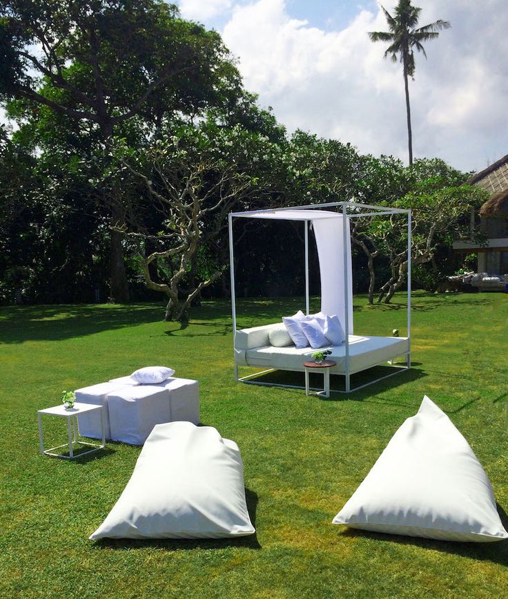 Our contemporary daybed 180 X 200 cm w/ beanbags @AtasOmbak w/ @BaliUltimate