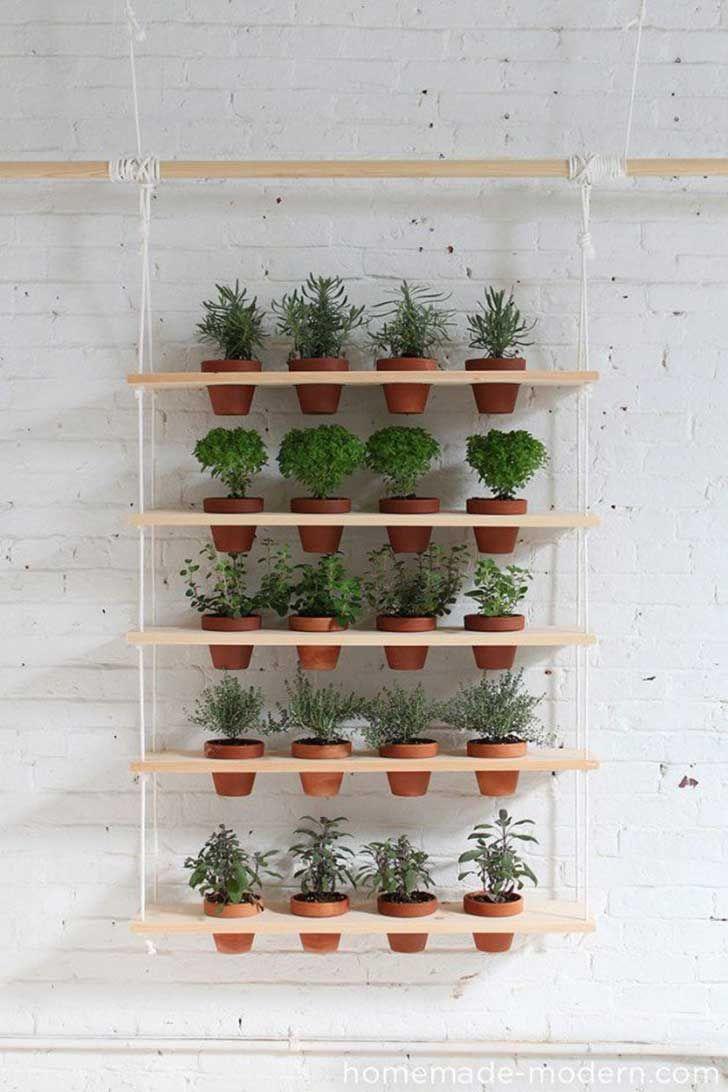 Repisa para macetas  - ideas con madera que mejorarán tu casa de forma extraordinaria