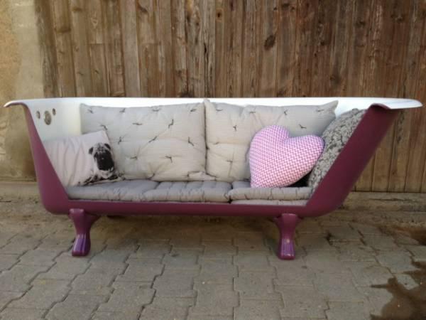 Baignoire ancienne transformée en canapé à Mézières acheter sur ricardo.ch 900CHF = 740€