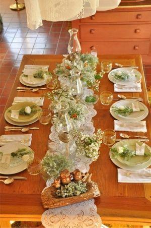 Como adorável e simples é esta configuração para um casamento mesa?  Eu amo isso!  por paulaqwest