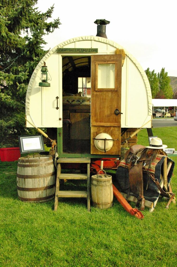 170 best images about sheep wagons on pinterest stove idaho and wheels - The mobile shepherds wagon ...