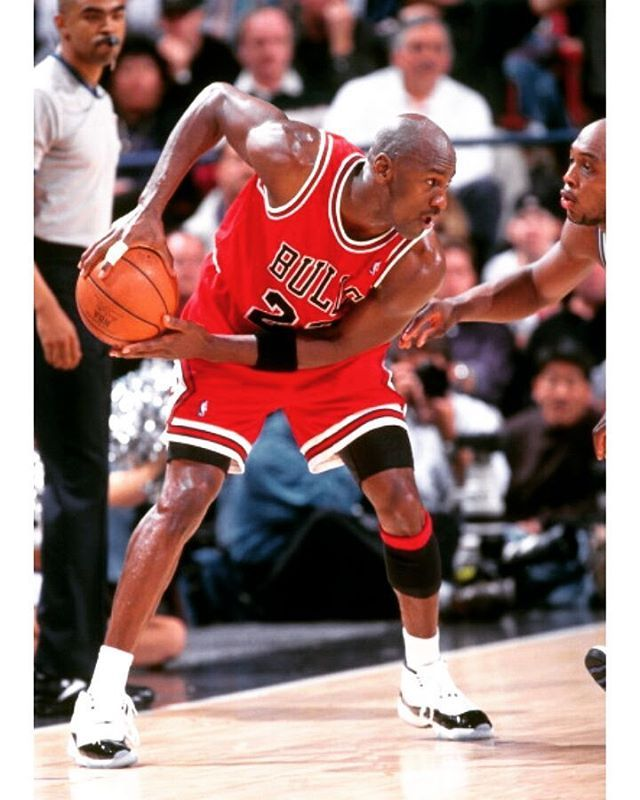 MJ going to work against Mitch Richmond of the Sacramento Kings on February 1, 1996 at Arco Arena in Sacramento, California.