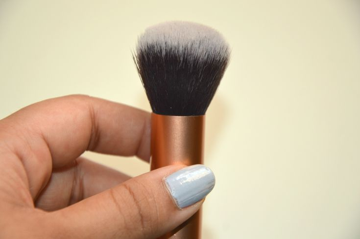 Real Techniques Expert Face Brush | Top Foundation Brushes