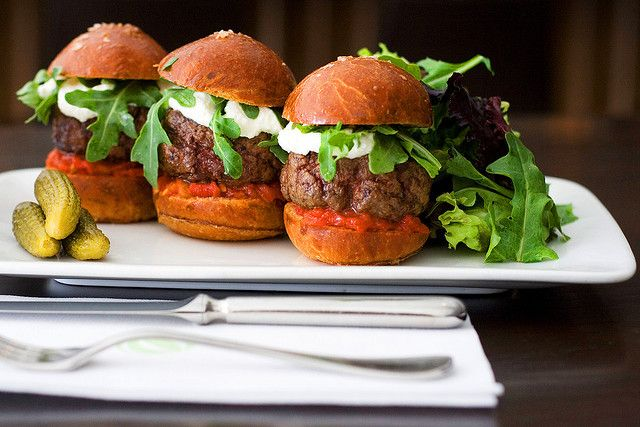 Here is a recipe for hamburger sliders that will blow you away. Very quick and easy to fix, these hamburger sliders will fill your tummy with cheesy hamburger goodness.