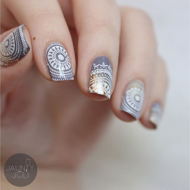 Mandala nails using @moyou_london Mandala Collection plate 07!  #moyoulondon #mandala